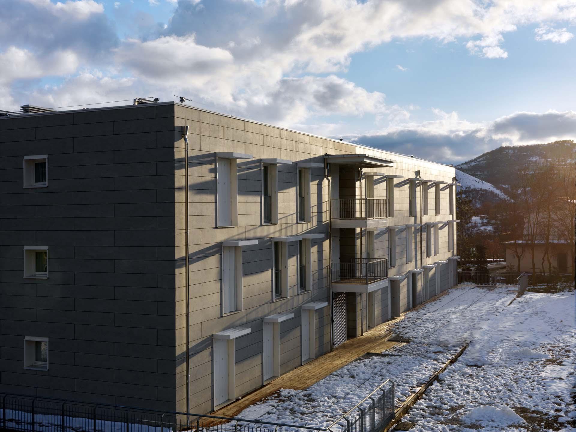 Strutture ricettive ille case in legno tecnologia for Apparecchi di illuminazione per bungalow