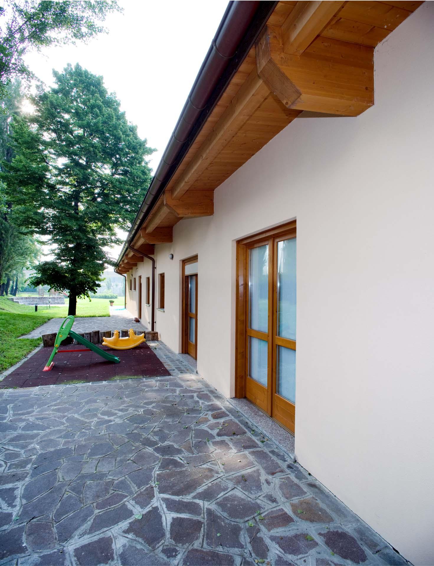Modelli ille case in legno tecnologia esperienza ed for Foto di case